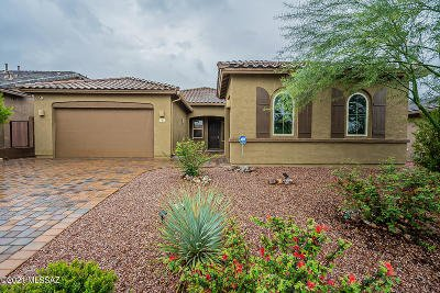 Oro Valley Single Family Home Active Contingent: 705 W Champions Run Way