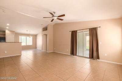 Tucson Single Family Home For Sale: 7240 S Millers Tale Drive