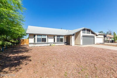 Tucson Single Family Home For Sale: 8573 N Star Grass Drive