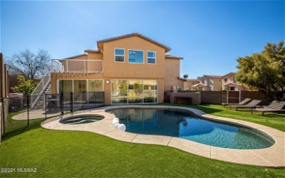 Tucson Single Family Home Active Contingent: 3428 N Winding River Way