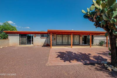 Tucson Single Family Home For Sale: 9125 E Indian Hills Road