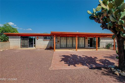 Tucson Single Family Home Active Contingent: 9125 E Indian Hills Road