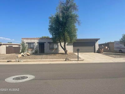 Tucson Single Family Home For Sale: 6930 N Northlight Drive