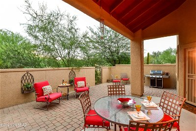 Oro Valley Townhouse Active Contingent: 12777 N Walking Deer Place