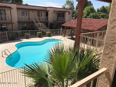 Tucson Condo For Sale: 3357 N Country Club Road #18