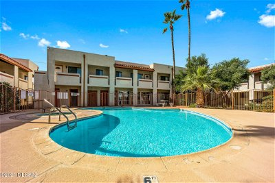 Tucson Condo Active Contingent: 455 W Kelso Street #221