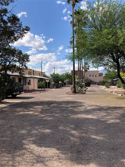 Rental For Rent: 3830 E 2nd Street #3