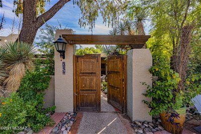Tucson Townhouse For Sale: 8621 E Hanover Place