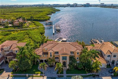 Tampa Single Family Home For Sale: 4119 CAUSEWAY VISTA DRIVE