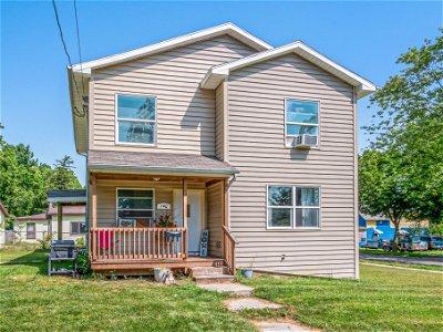 Jackson MI Single Family Home Active Contingent: $69,900