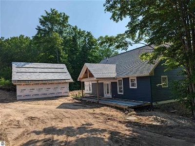 Ellsworth MI Single Family Home For Sale: $450,000