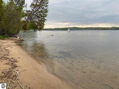 Charlevoix County Single Family Home For Sale: 00308 S M-66