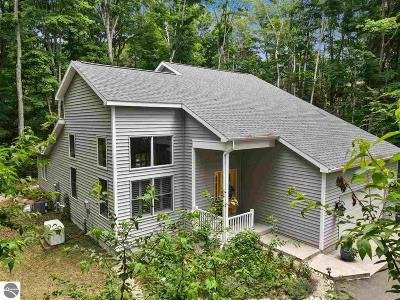 Single Family Home For Sale: 4104 Michigan Trail