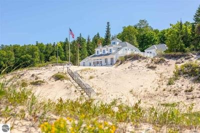Charlevoix County Single Family Home For Sale: 31237 West Side Road