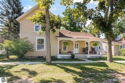 Elk Rapids Single Family Home Active U/C Taking Backups: 511 Traverse Street
