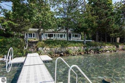 Single Family Home For Sale: 4375 NE Torch Lake Drive