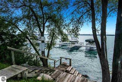 Single Family Home For Sale: 10159 Council Oak Drive