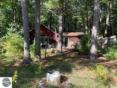 Single Family Home Active U/C Taking Backups: 4570 N Indian Lake Road