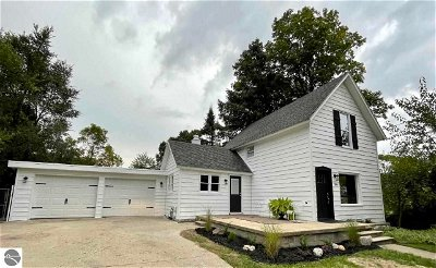 Bellaire Single Family Home For Sale: 108 First Street