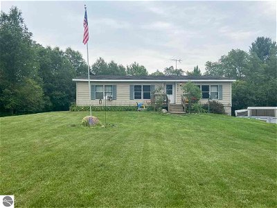 Kalkaska County Single Family Home For Sale: 9745 SW Shippy Road, SW
