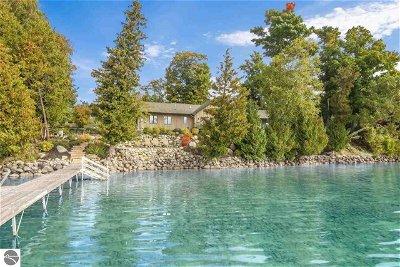 Single Family Home For Sale: 4595 NE Torch Lake Drive
