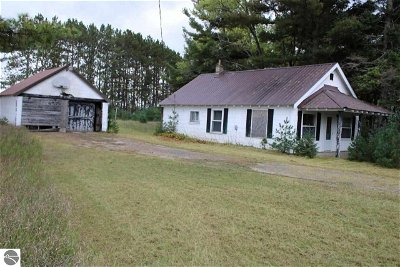 Kalkaska County Single Family Home For Sale: 8940 Us-131, NE