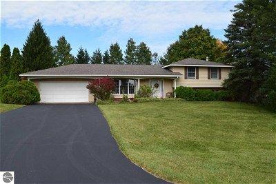 Single Family Home For Sale: 5980 Dover Lane