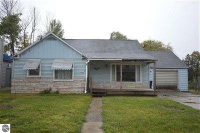 Leelanau County Single Family Home For Sale: 9098 S Kasson Street