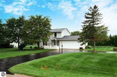Traverse City Single Family Home For Sale: 1063 Piccadilly Road