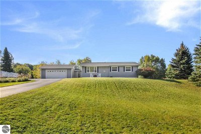 Traverse City Single Family Home For Sale: 3178 Prouty Road