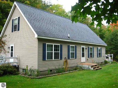 Grand Traverse County Single Family Home Active U/C Taking Backups: 4700 Lemcool Road