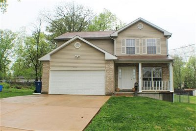 Single Family Home Sold: 8319 Acorn Avenue