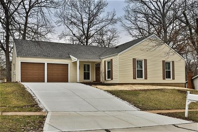 Single Family Home Sold: 893 Almond Hill Court