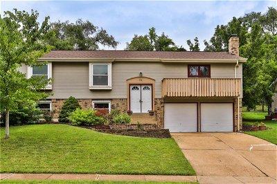 Single Family Home Sold: 711 La Bonne Parkway