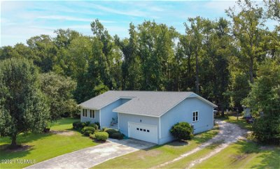 Beaufort NC Single Family Home Pending With Showings: $330,000